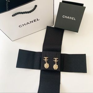 CHANEL Gold Lion Pearl Signiture Dangle Earrings